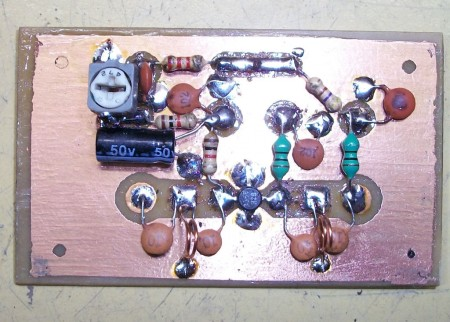 amplificador uhf tv digital antena 450x322 Circuito amplificador de antenas UHF TV digital 10 a 15 dB tv digital Transmissores e RF placa de circuito impresso Circuitos