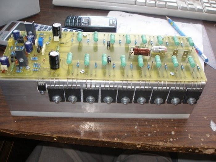 OgAAALtwnT9RHw5Ad0uUBZBzI8tW9 L8l9mEB6siFR WTBl0OkGsUIEr9E11G4HWTgfd4xcQZr7kqoUqPB01vFORKCkAm1T1UPzgbEy6TqWWoRcp0Ej0Jb3Zvlqu 700x525 Amplificador de 660 ~ 700 Watts RMS 4 Ohms mono Áudio