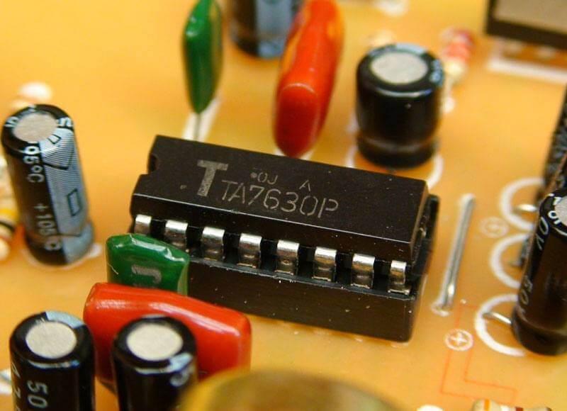 ta15 Pré amplificador estéreo com controle de volume, ajuste de balanço e tons (grave e agudo) (COMPLETO COM SUGESTÃO PCB)(Atualizado 01/05) Pré amplificadores placa de circuito impresso Circuitos Áudio Amplificadores amplificador de audio