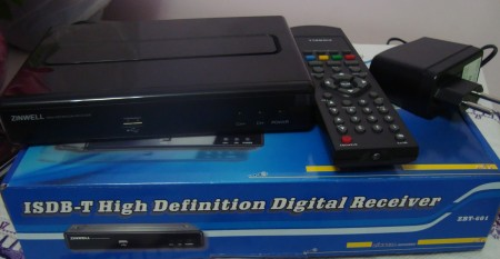 Conversor Zinwell ZBT 601 450x233 Review do Kit completo para TV digital da loja GrandeEletro   Conversor Zinwell  ZBT 601 + Antena UHF Proeletronic PQ45 1040 + Kit cabo Cabletech tv digital Dicas Antenas