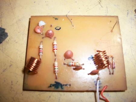 100 3748 450x337 Review do Amplificador UHF/VHF com Bfr90