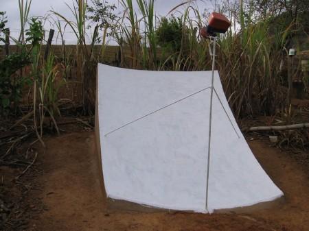 antena parabolica diy 450x337 Construa Antena parabólica caseira Com Tijolos e Cimento parabólica Notícias apontamento de antena