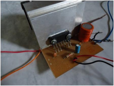 amplificador com tda 1557 450x337 Amplificador de áudio para Carro estéreo 22w com TDA1557 tda Circuitos Automotivo Áudio