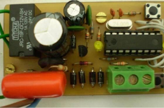 Placa_montagem_controle automatico_caixa_gua_microcontrolado