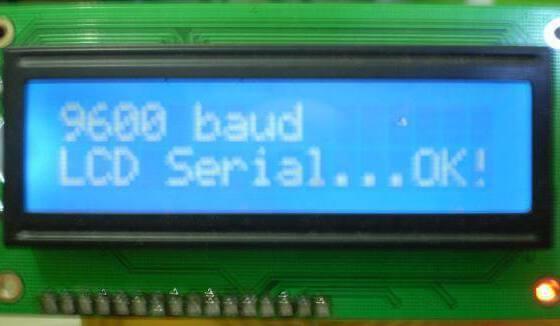O programa feito em C para o pic16F628A recebe os comandos via serial vindo do seu projeto, interpreta e envia normalmente para o LCD.