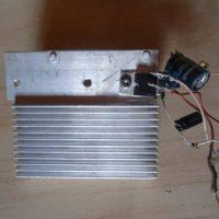 amplificador audio potencia tda2002 montagem que fiz, totalmente auto suportada, muito simples, se quiser pode colocar em uma caixinha pra ficar melhor visualmente