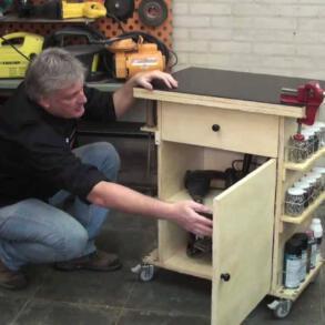 [Vídeo] Tutorial como construir uma bancada de trabalho móvel