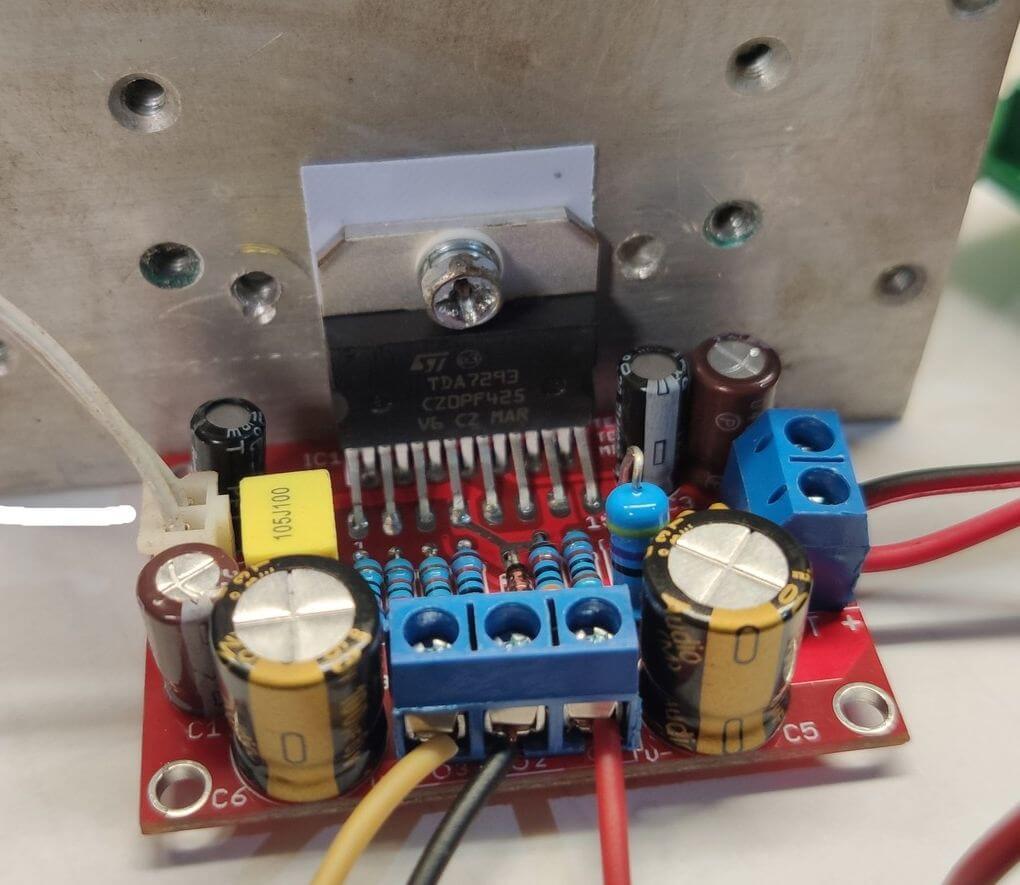 tda7293 tda7294 minimus potencia audio #Minimus Power   Amplificador de potência com circuito integrado TDA7293 ou TDa7294 tda7294 tda Circuitos Áudio Amplificadores e Áudio Amplificadores Amplificador potência amplificador de audio amplificador compacto