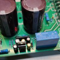 Fonte amplificador detalhe do relé